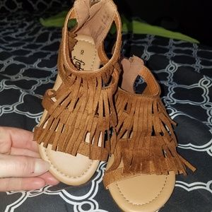 Girls fringe sandals